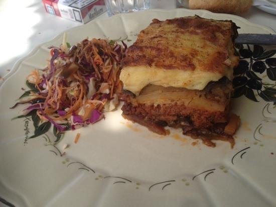 Oromedon Restaurant: moussaka