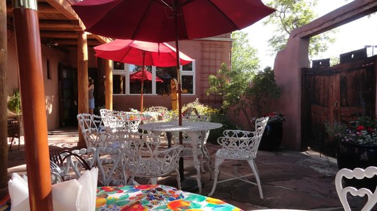 El Paradero Bed and Breakfast Inn: Outside Patio