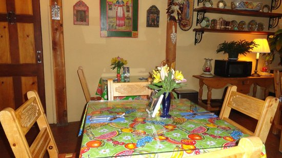 El Paradero Bed and Breakfast Inn: Dining Area