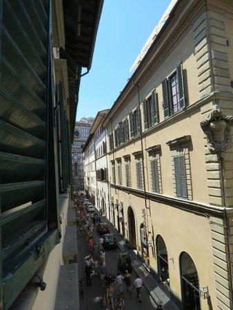 Relais Il Campanile: Muy linda vista desde la habitación. A pesar que da a la calle no es ruidoso.