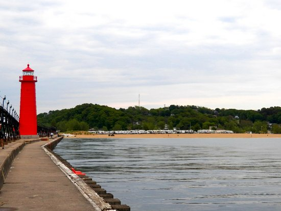 Grand Haven Lighthouse and Pier: Beautiful lighthouse in a surreal setting.