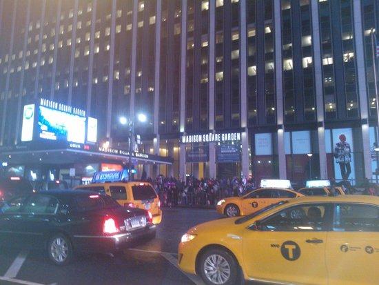 Hotel Pennsylvania New York: em frente ao Madison Square Garden