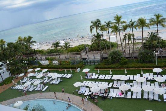 Fontainebleau Miami Beach : Kids pool below Sorrento Penthouse