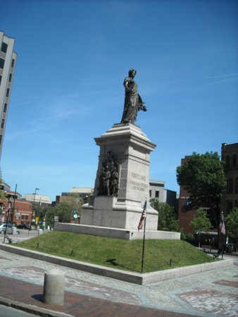 Portland Fire Engine Co: Monument Square