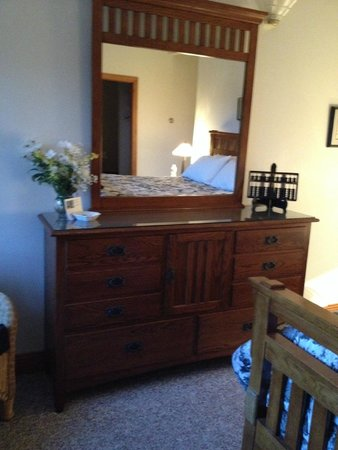 Peregrine Pointe Bed and Breakfast: Room