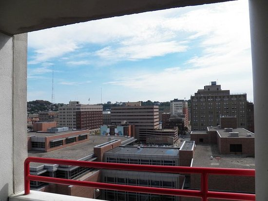 Garfield Suites Hotel: View From The Balcony
