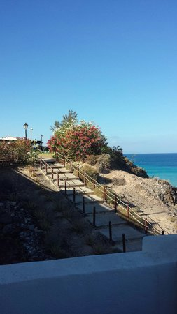 TUI MAGIC LIFE Fuerteventura: Steps to impressive beach