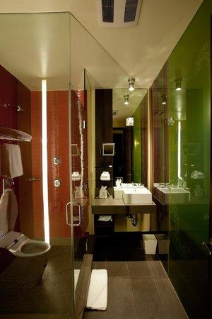 Sirtaj Hotel: Bathroom