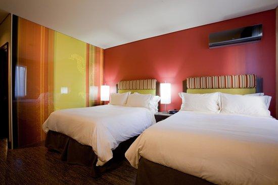 Sirtaj Hotel: Double Queen Room