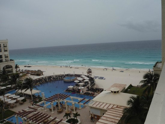 Marriott Cancun Resort: View from our upgraded Premier Room