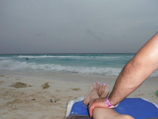 Marriott Cancun Resort: Relaxing at the Beach