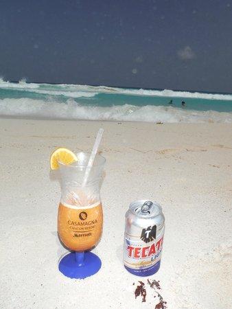 Marriott Cancun Resort: Beach right In front of CasaMagna