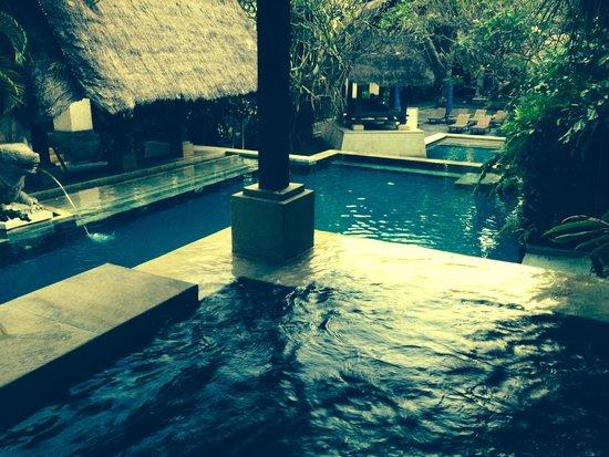 Puri Santrian: The 3 tiered Club pool