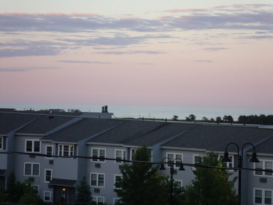 Ogunquit Resort Motel: The Ocean is out there