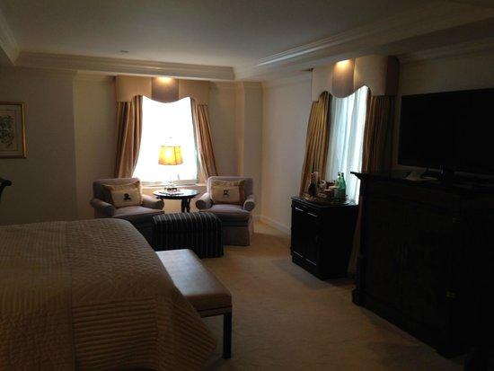 The Michelangelo Hotel : room