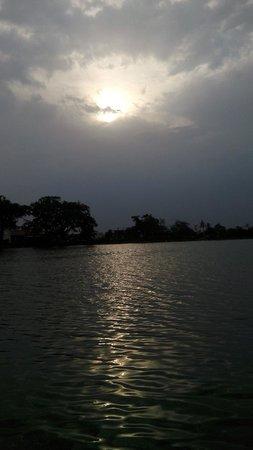 Maharajabandh Lake