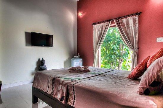 Mui Ne Hills Villa Hotel : Standard room with poolview