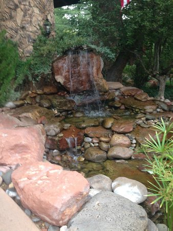 L'Auberge de Sedona : little fountain
