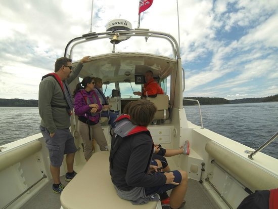 San Juan Island Whale & Wildlife Tours: Captain Hobbes and our group.