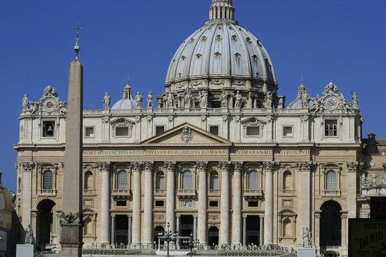 Vatican Guided Tours: A view of the St. Peter's Basillica