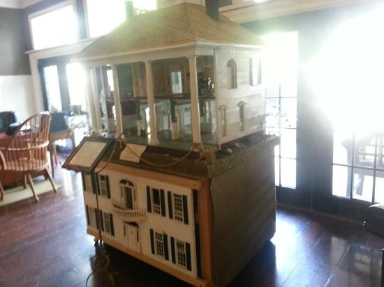 Barton Hill Hotel & Spa: A replica of the hotel I believe (I may be wrong)