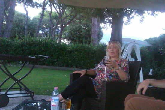 Hotel Storyville: Вечером очень удобно посидеть в саду и выпить по бокальчику красного вина