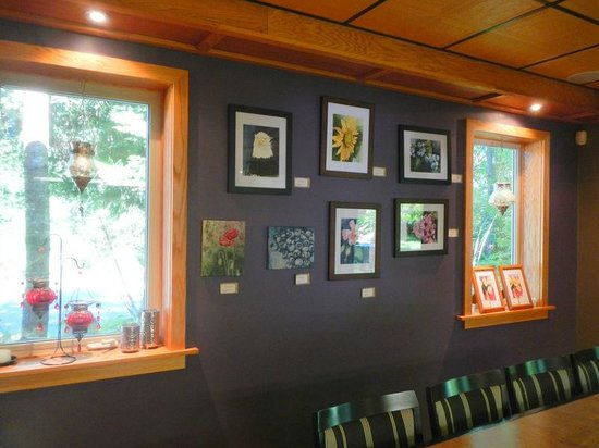 Blue Moon Winery: Some of the art work
