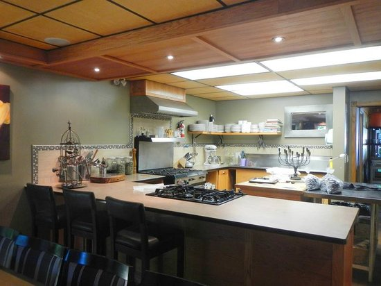 Blue Moon Winery: the tasting and cooking area