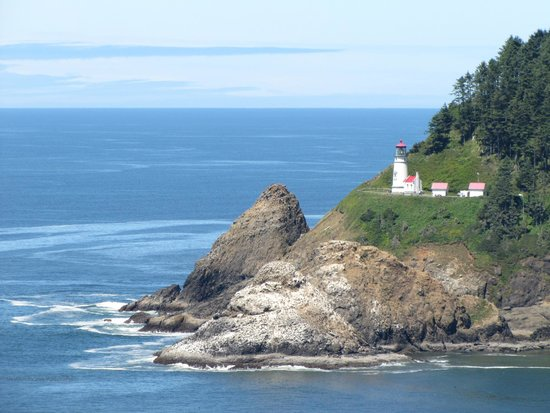 Sea Lion Caves: A view of Haceta Lighthouse from the path to the elevator