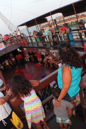 Ocean Adventures - Caribbean Pirates: Show on the Ship