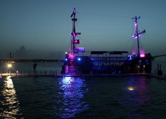 Ocean Adventures - Caribbean Buccaneers Dinner Show: Boat after Dark