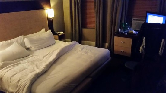 Amsterdam Court Hotel : Bed