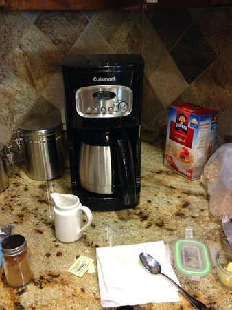 Northstar Lodge by Welk Resorts: Coffee maker provided by the hotel