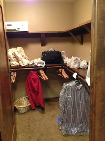 Northstar Lodge by Welk Resorts: Huge master closet