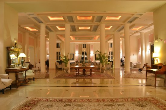 Mabely Grand Hotel: Lobby