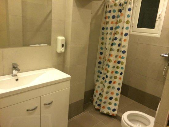 Piraeus Dream City Hotel: ванная комната