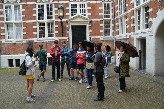 360 Amsterdam : Nuestro grupo con Vanessa  30.06.2014