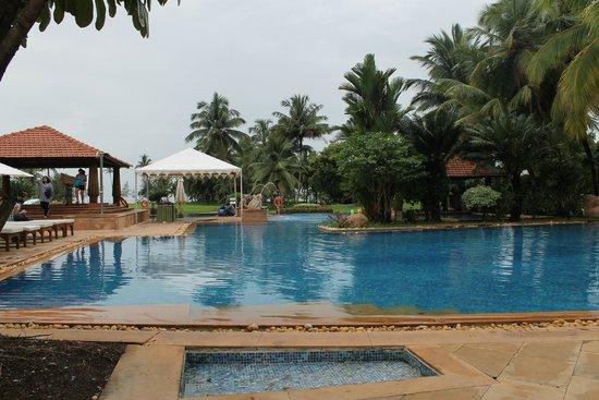 Kenilworth Resort & Spa: The pool area