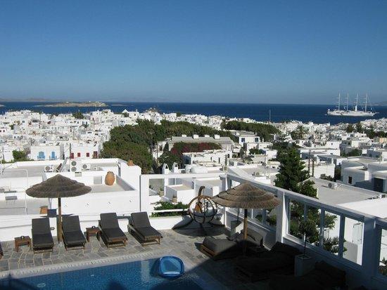 Rochari Hotel: View from breakfast patio