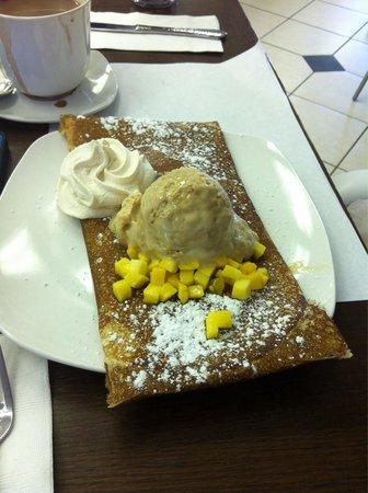 Bitton Bistro Cafe : Mango, Coconut, & cappuccino Gelato Crepe