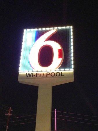 Motel 6 Las Vegas - Tropicana : MOTEL6