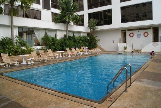 Bayview Hotel Georgetown Penang: Pool