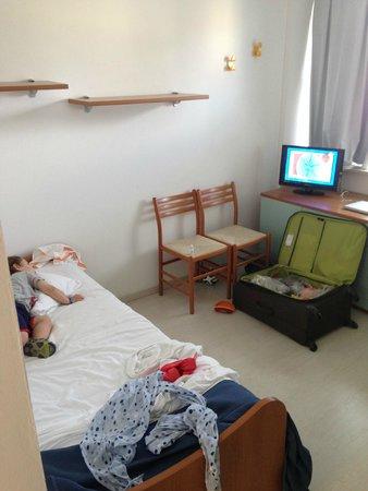 Club Family Hotel Costa dei Pini: Ingresso con letto