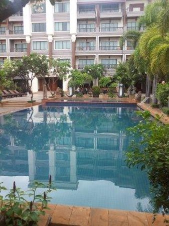 Royal Empire Hotel: The hotel swimming pool