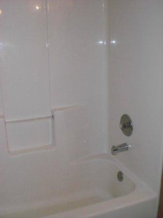 Rancho Cortez : Tub wouldn't drain. Dirty.
