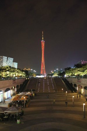 Canton Tower : Ночью
