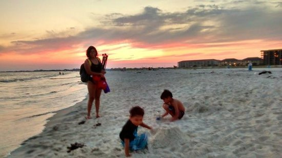 Dauphin Island Public Beach: we were almost the last to leave