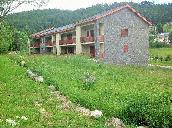 Angelys Resorts - Les Esplaneilles: Arrière résidence