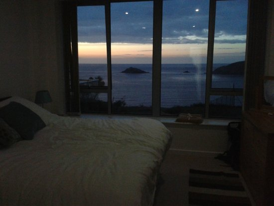 C-Bay Cafe: Sunset from my bedroom in apartment 8!