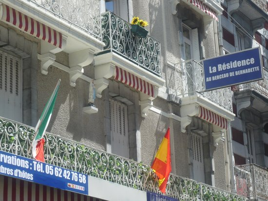 Au Berceau De Bernadette : facade